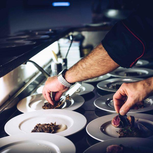 manipulacion_alimentos_restaurantes-600x600